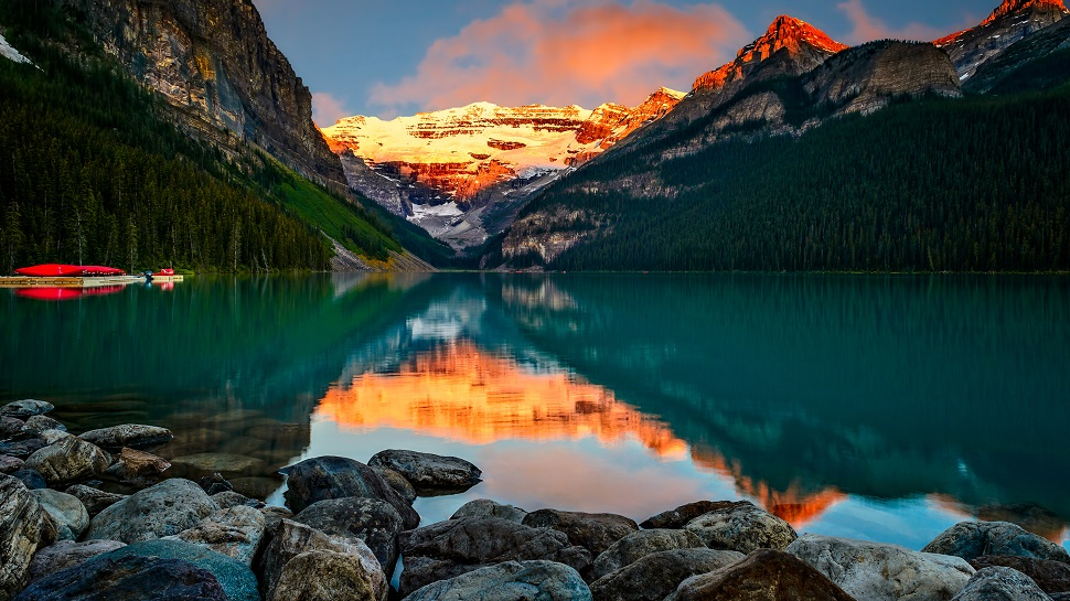 watch-the-sunrise-at-lake-louise
